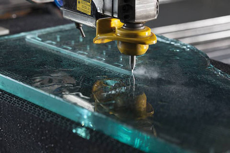 водно рязане стъкло